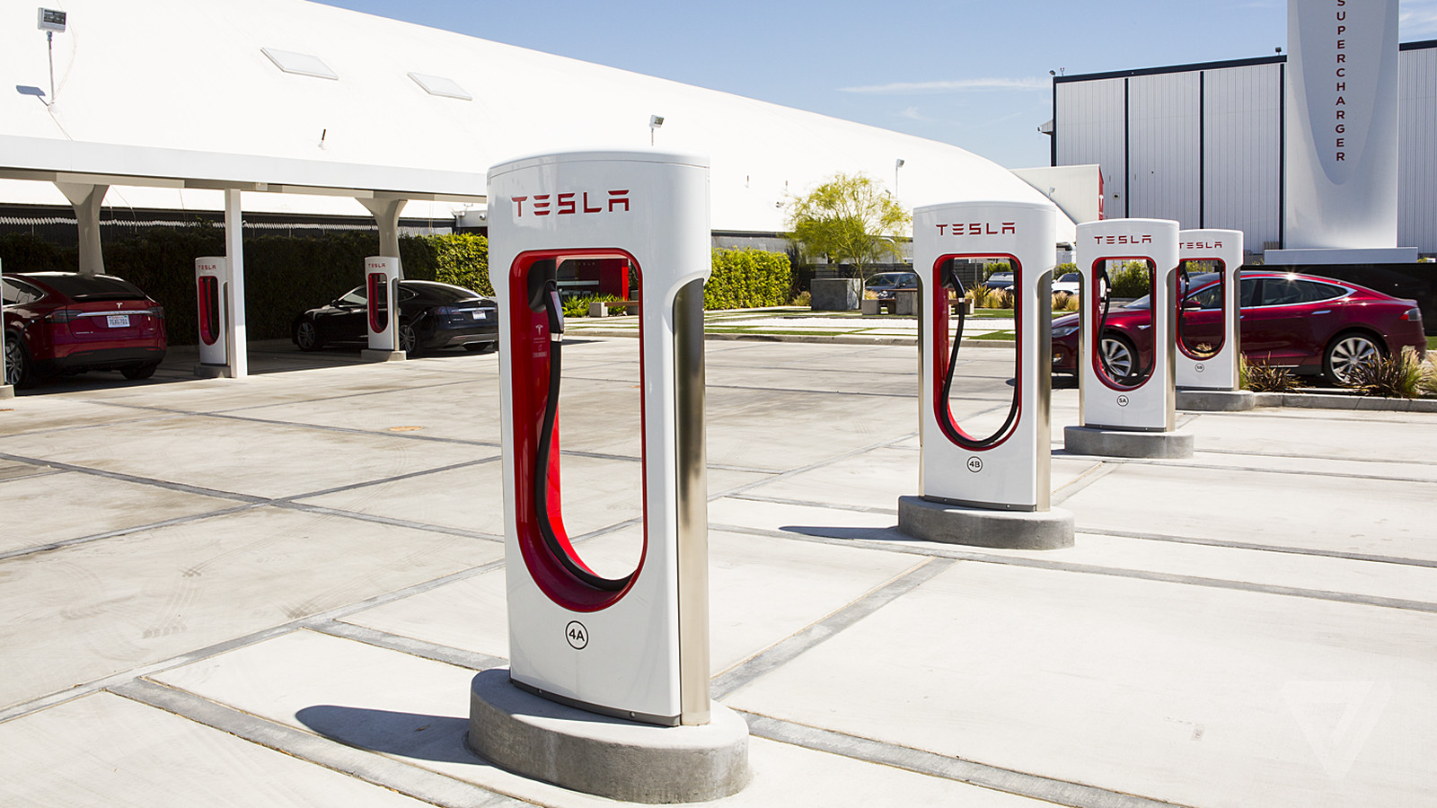 New Tesla owners can now get free charging with a referral ...