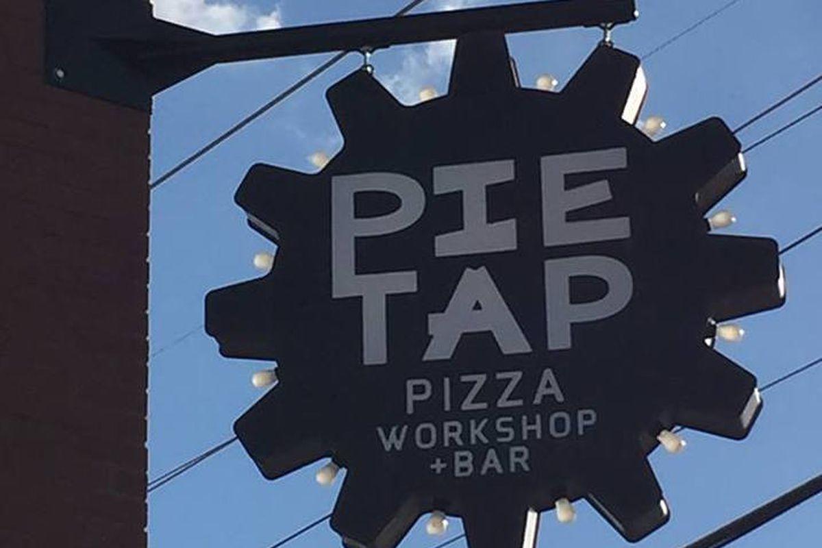 Pie Tap Pizza Workshop & Bar Signage