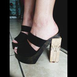 "Robertson's ""Shoe Box Shoes."""