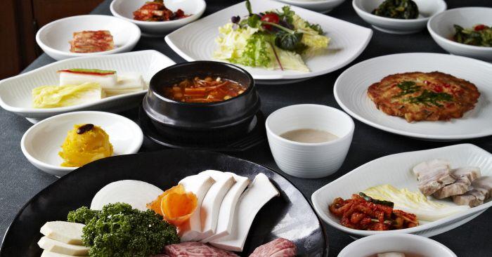 Korea s oldest korean barbecue restaurant signs koreatown lease eater ny for Seoul garden korean restaurant