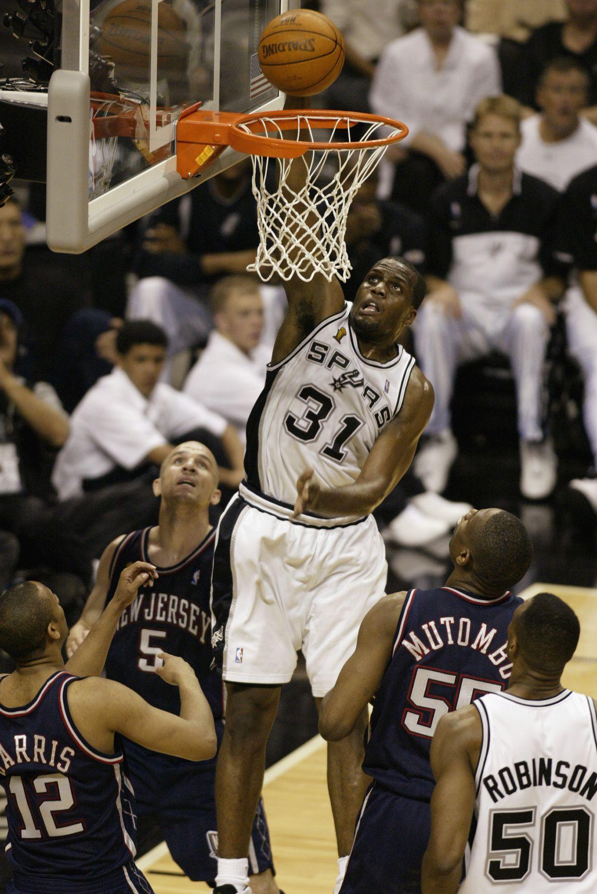 Malik Rose dunks