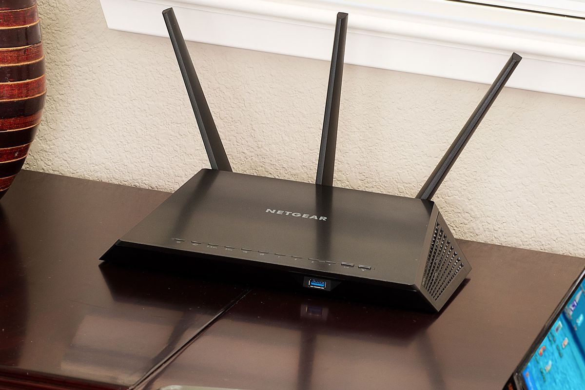 Next-gen routers are here with Netgear\'s Nighthawk - Polygon