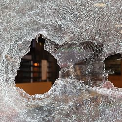 Crowds broke windows and looted stores along Michigan Avenue and on the Near North Side overnight and into Monday morning.