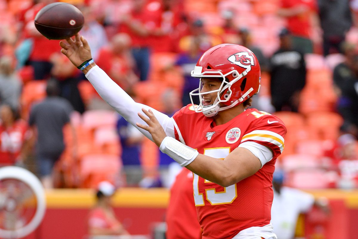 more photos 28bfe 946f5 Chiefs beat Ravens 33-28 in Arrowhead home opener ...