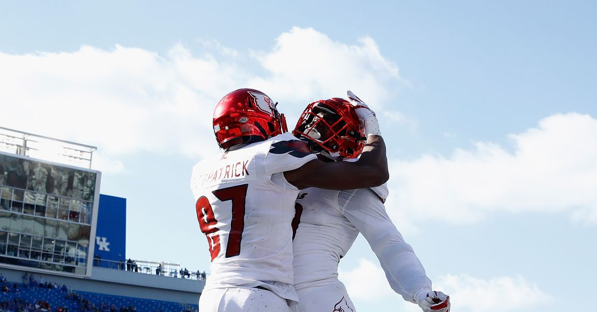 Game Day: Louisville vs. Western Kentucky - Card Chronicle