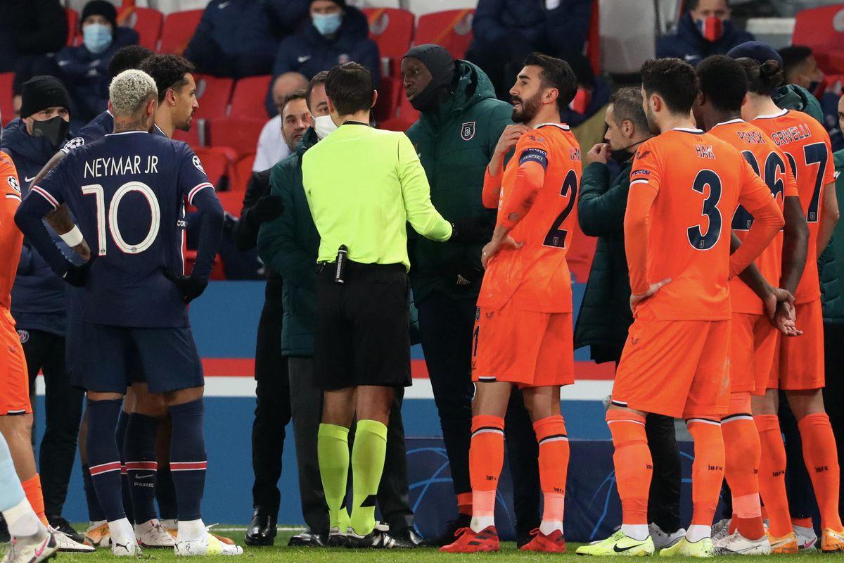 Paris Saint Germain v Istanbul Basaksehir - UEFA Champions League