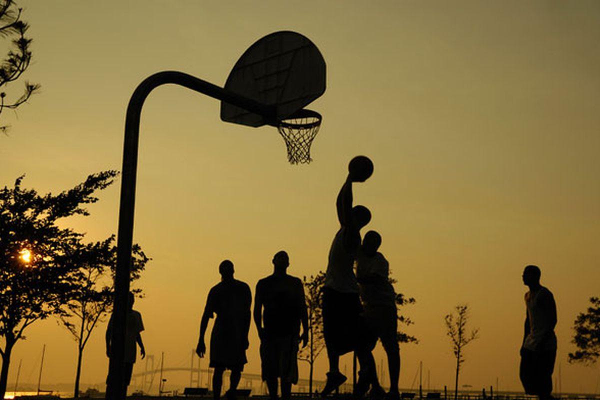 "via <a href=""http://unifiedmilwaukee2.files.wordpress.com/2009/07/pickup-basketball.jpg"">unifiedmilwaukee2.files.wordpress.com</a>"