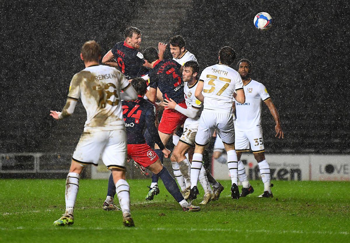 Milton Keynes Dons v Sunderland - Papa John's Trophy