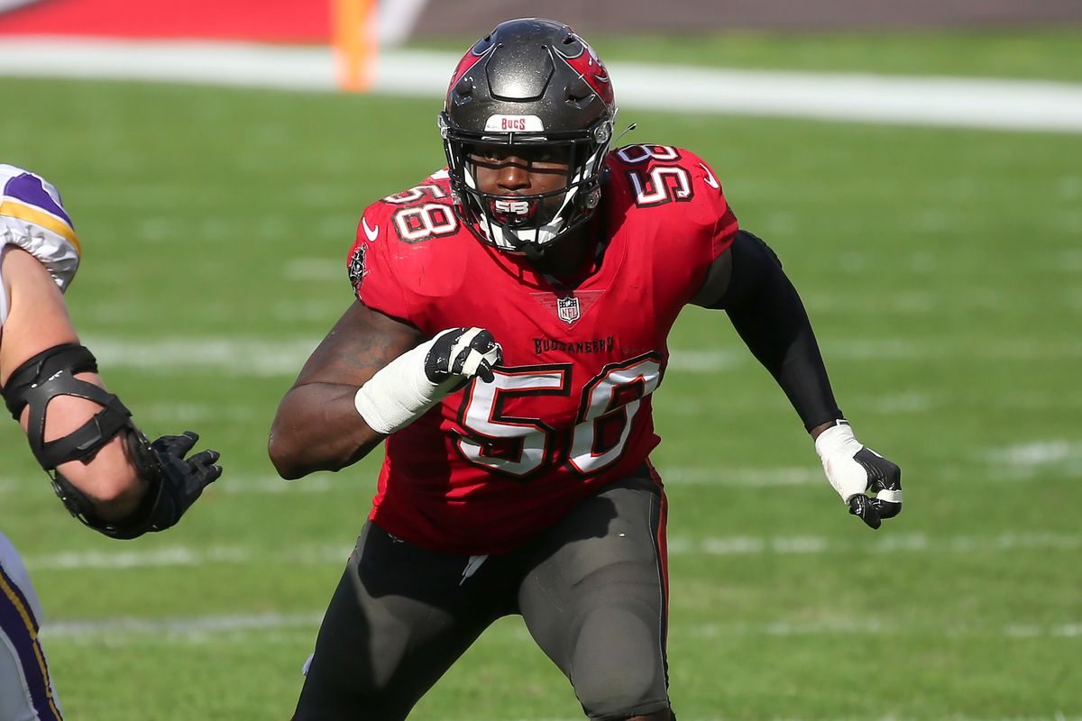 Shaq Barrett (58) of the Bucs rushes the passer during the regular season game between the Minnesota Vikings and the Tampa Bay Buccaneers on December 13, 2020 at Raymond James Stadium in Tampa, Florida.