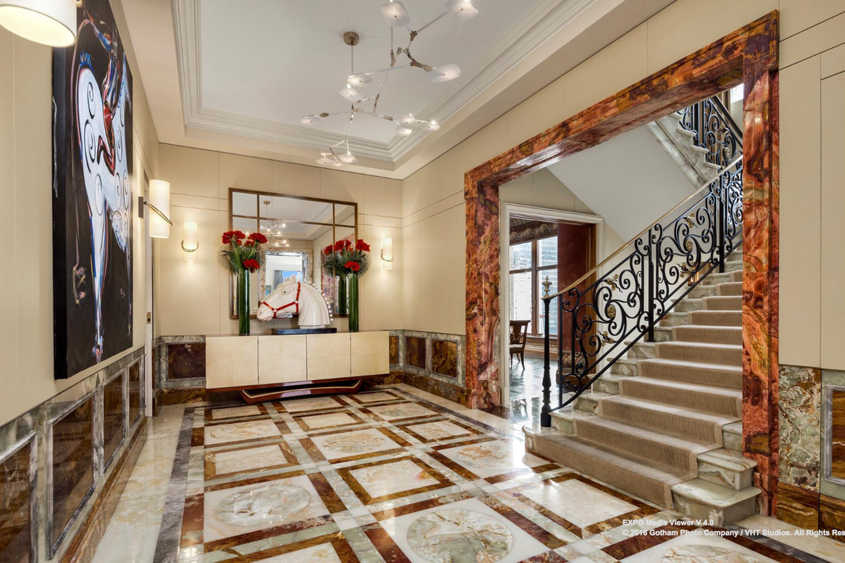 Socialite S Park Avenue Duplex With All The High End