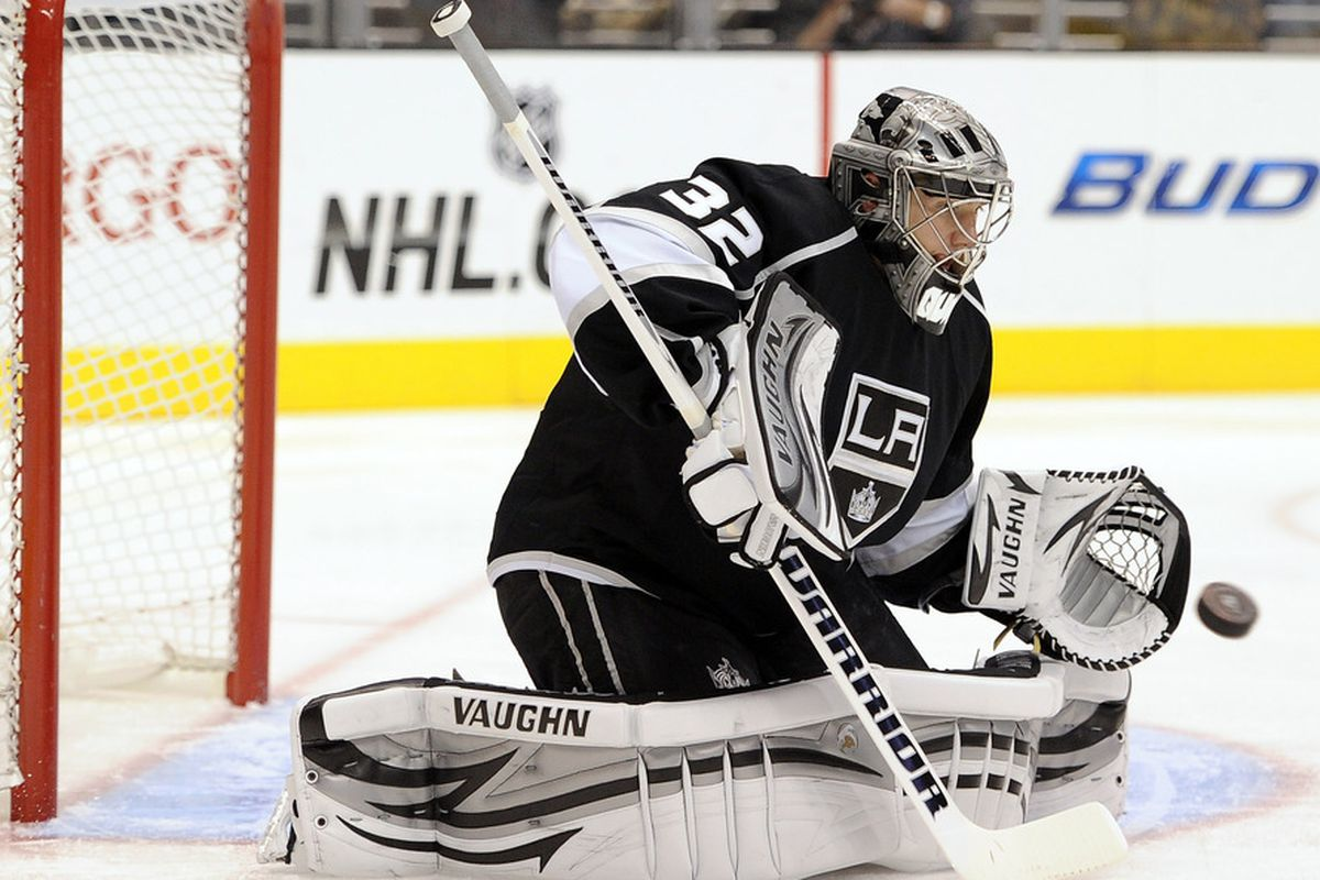 LOS ANGELES, CA - NOVEMBER 28:  Jonathan Quick #32 of the Los Angeles Kings makes a save on a shot by the San Jose Sharks during the first period at Staples Center on November 28, 2011 in Los Angeles, California.  (Photo by Harry How/Getty Images)