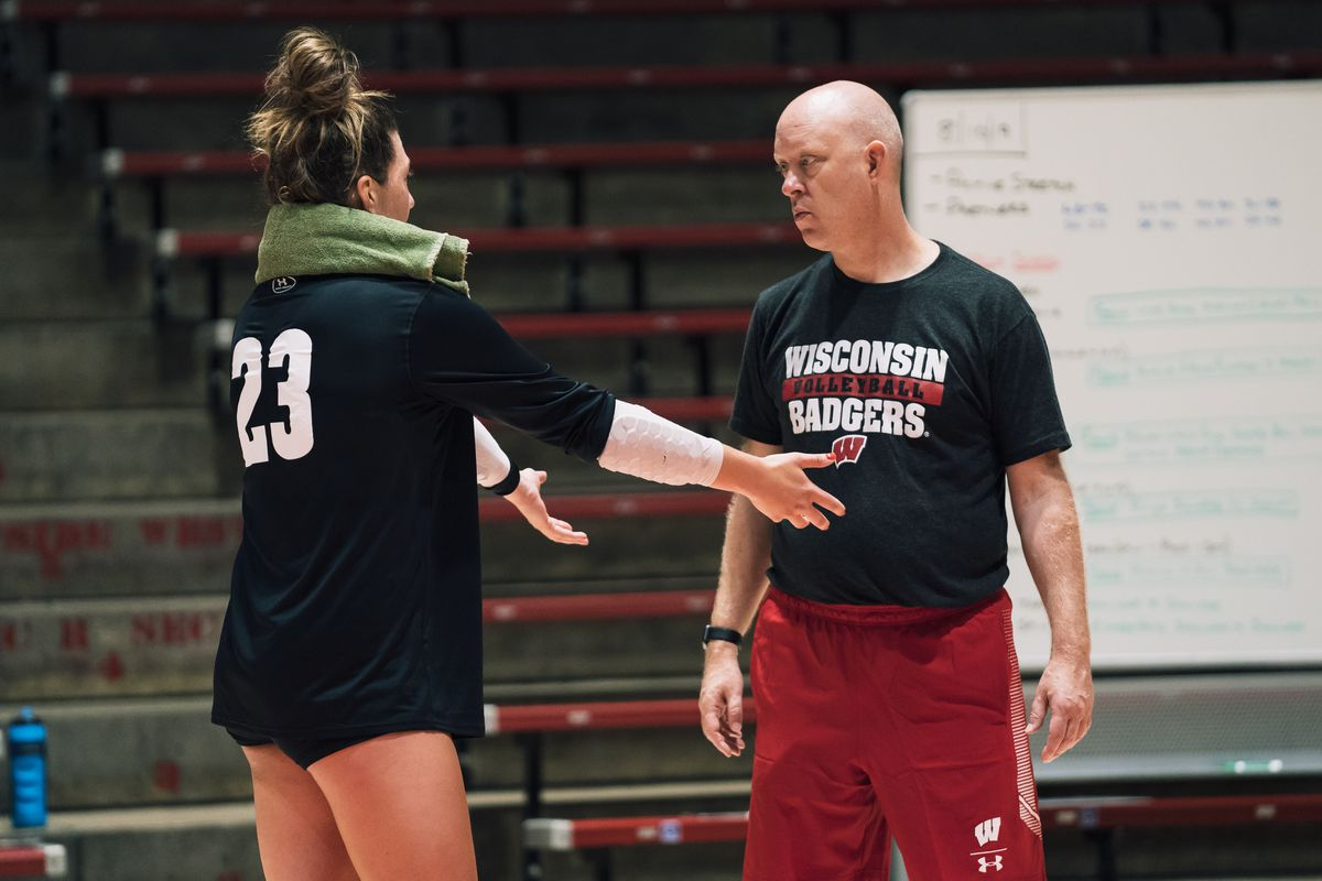 Wisconsin volleyball: Badgers fall to No. 9 in latest AVCA ranking
