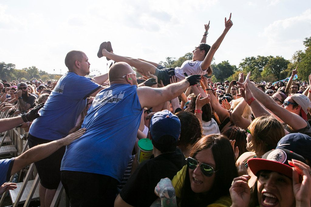 Fans cheer during Bayside's performance on day two of Riot Fest in Douglas Park, Sept. 16, 2017. | Ashlee Rezin/Sun-Times