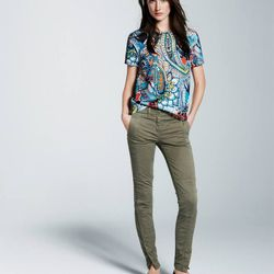 Silk moonglow paisley tee and seamed motorcycle pant.
