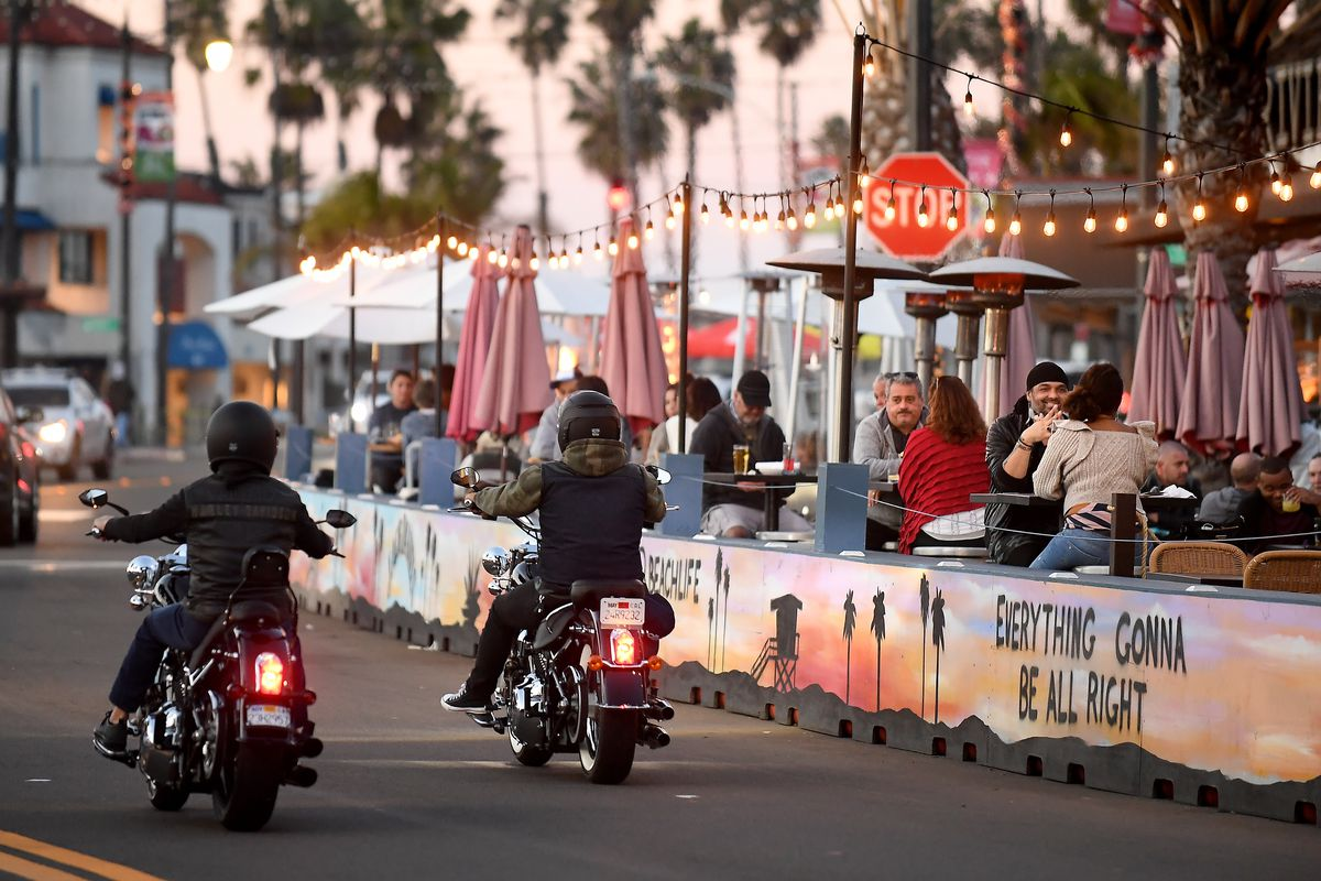 Customers dine in the Hollywood Riviera area of Redondo Beach.