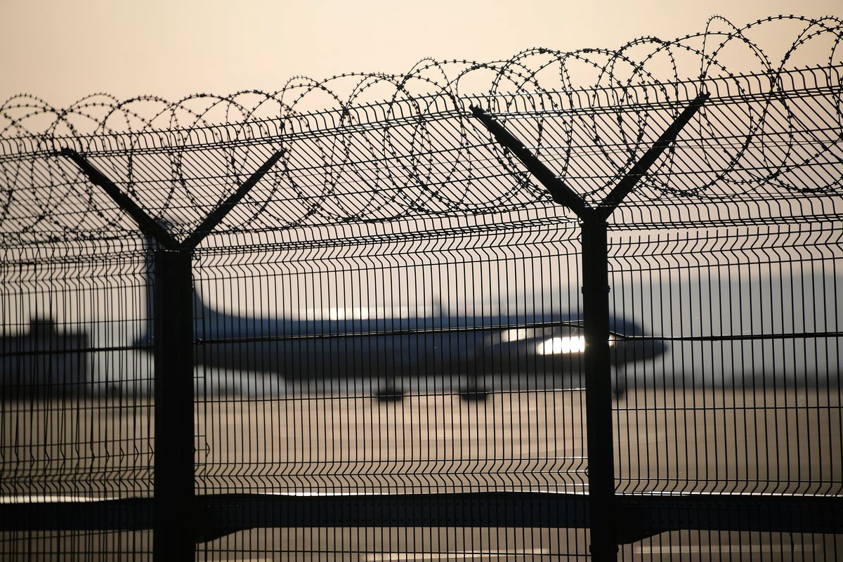Flight brings Russian tourists from Seoul to Vladivostok