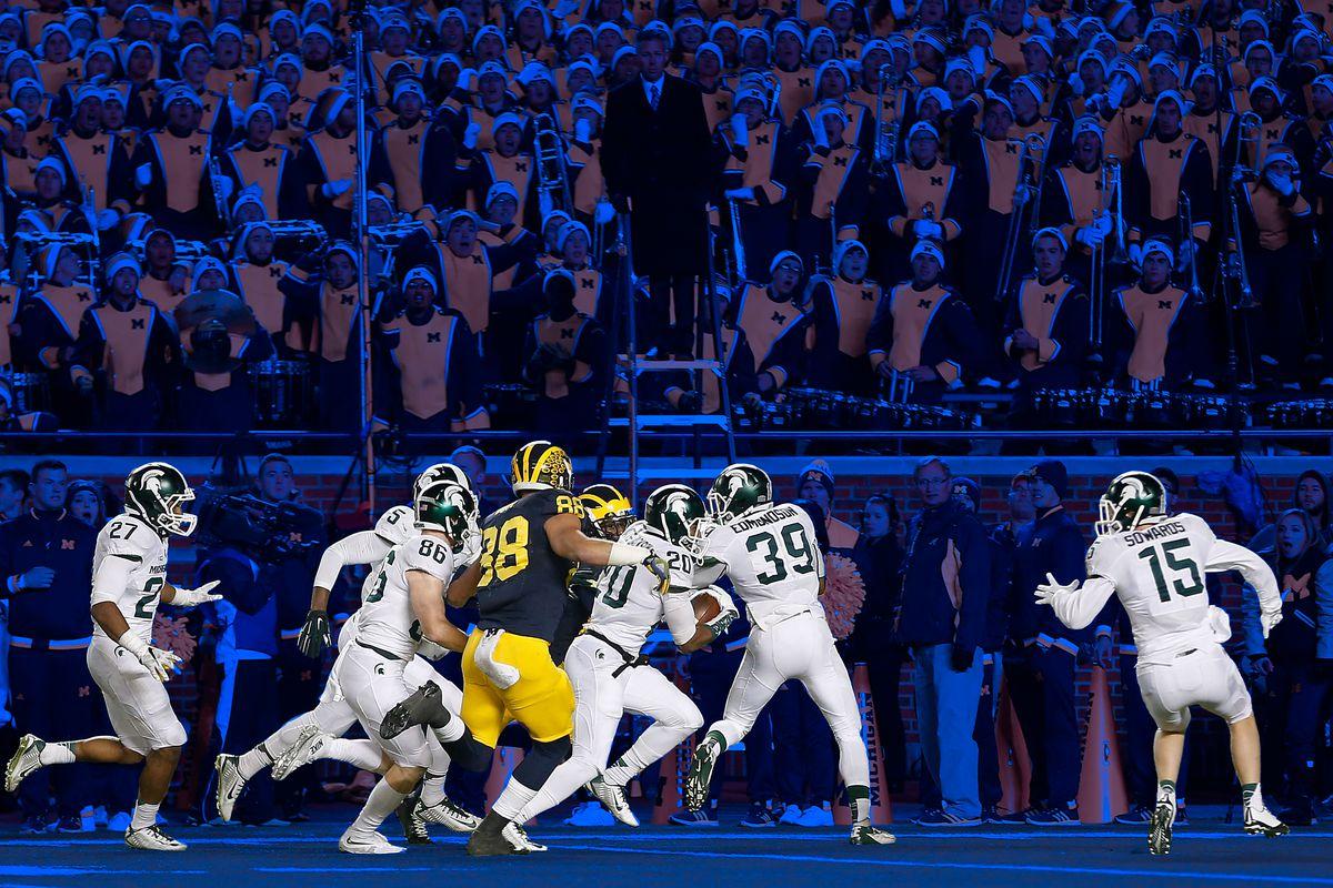 Michigan State beats Michigan, 2015