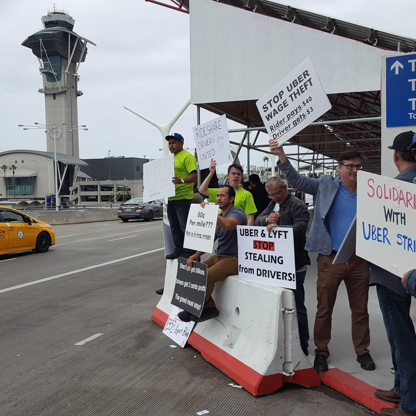 Uber drivers will strike at LAX before IPO - Curbed LA