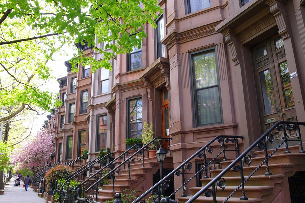 A row of brownstones in Brooklyn. Photo via Creative Commons.