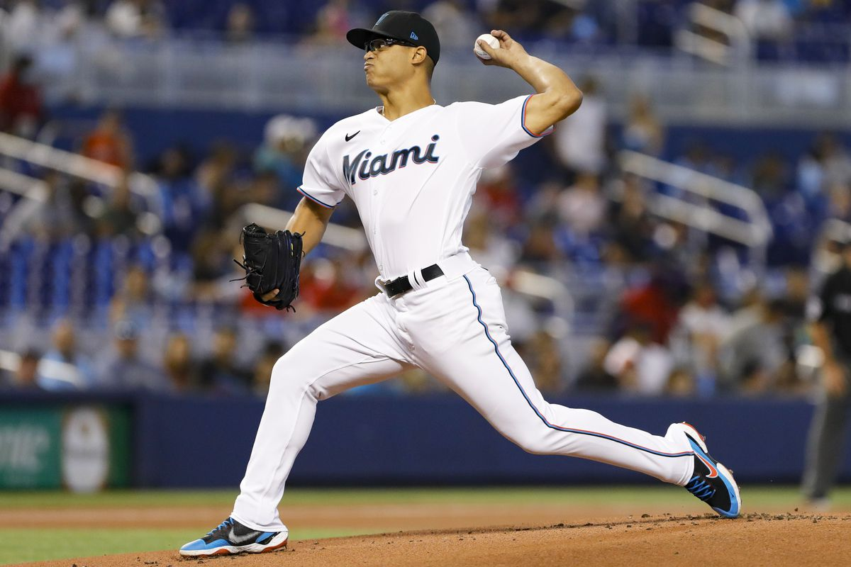 Miami Marlins starting pitcher Jesus Luzardo (44) delivers a pitch against the Cincinnati Reds during the first inning at loanDepot Park.