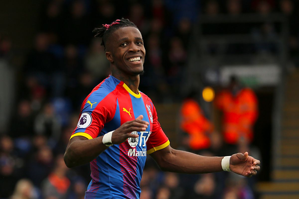 Crystal Palace FW Wilfried Zaha rues a missed chance during a match against Everton, Apr. 27, 2019.