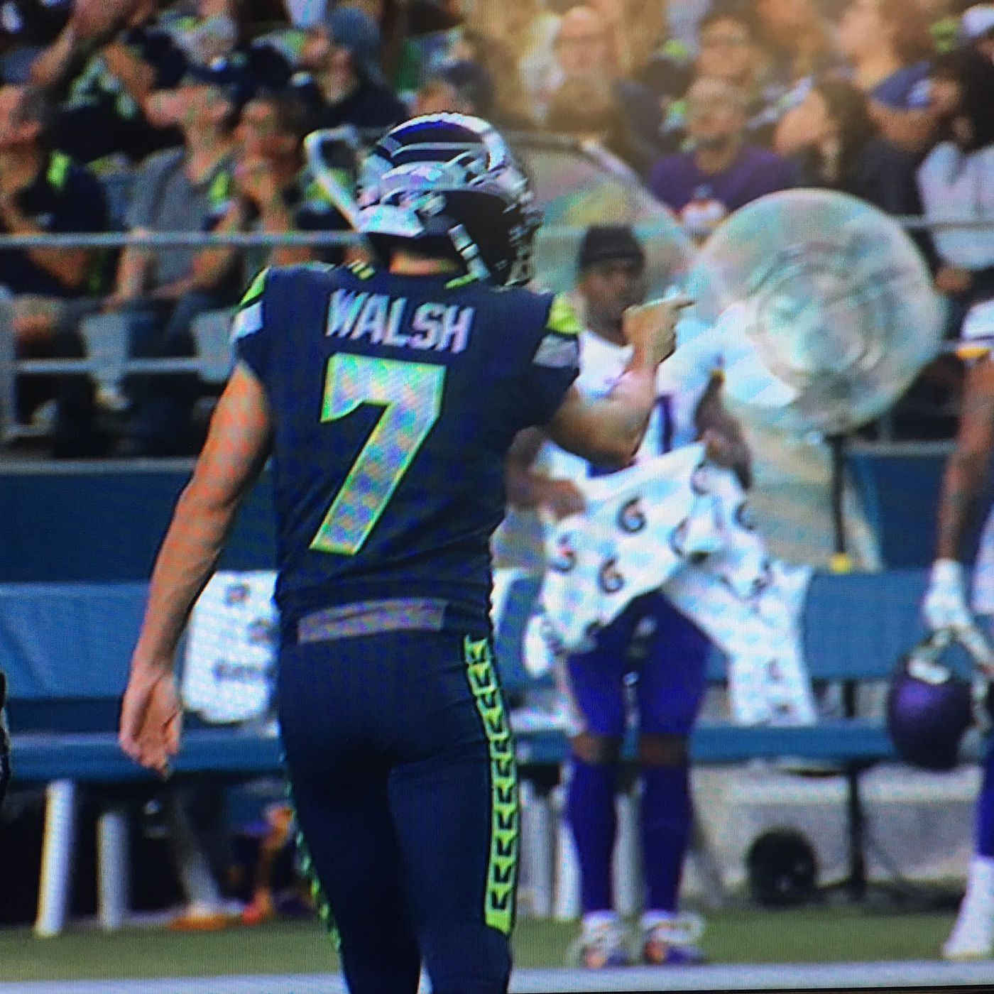 best sneakers 834c6 c4006 Blair Walsh points at Vikings bench after making field goals ...