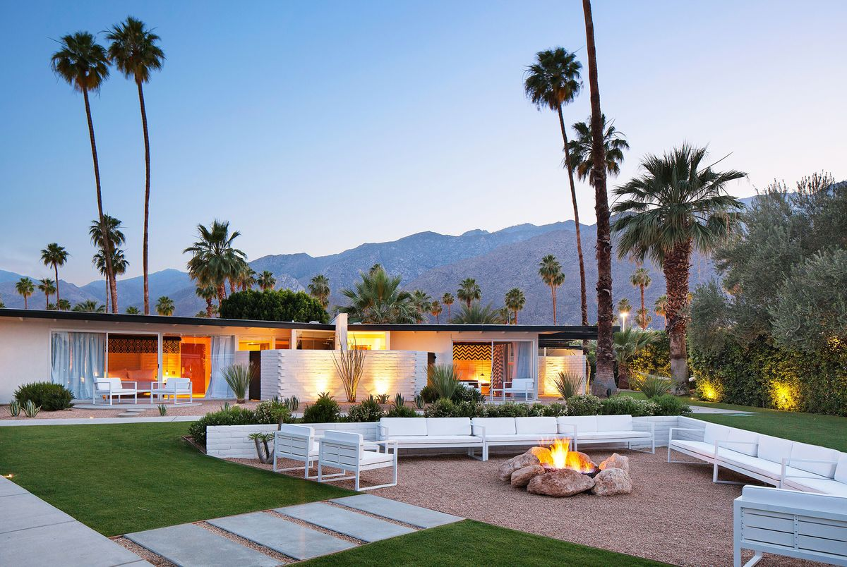 Palm springs hotels the best places to stay curbed la for Palm springs strip hotels