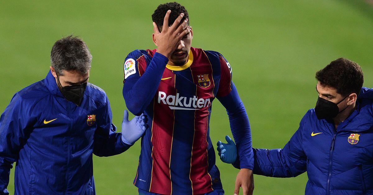Araujo to make Barcelona return against Sevilla in the Copa del Rey? - Barca Blaugranes