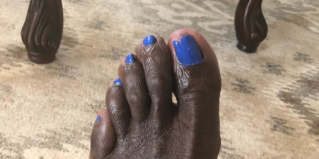 Look at Shaq\'s awful foot with painted toenails - SBNation.com