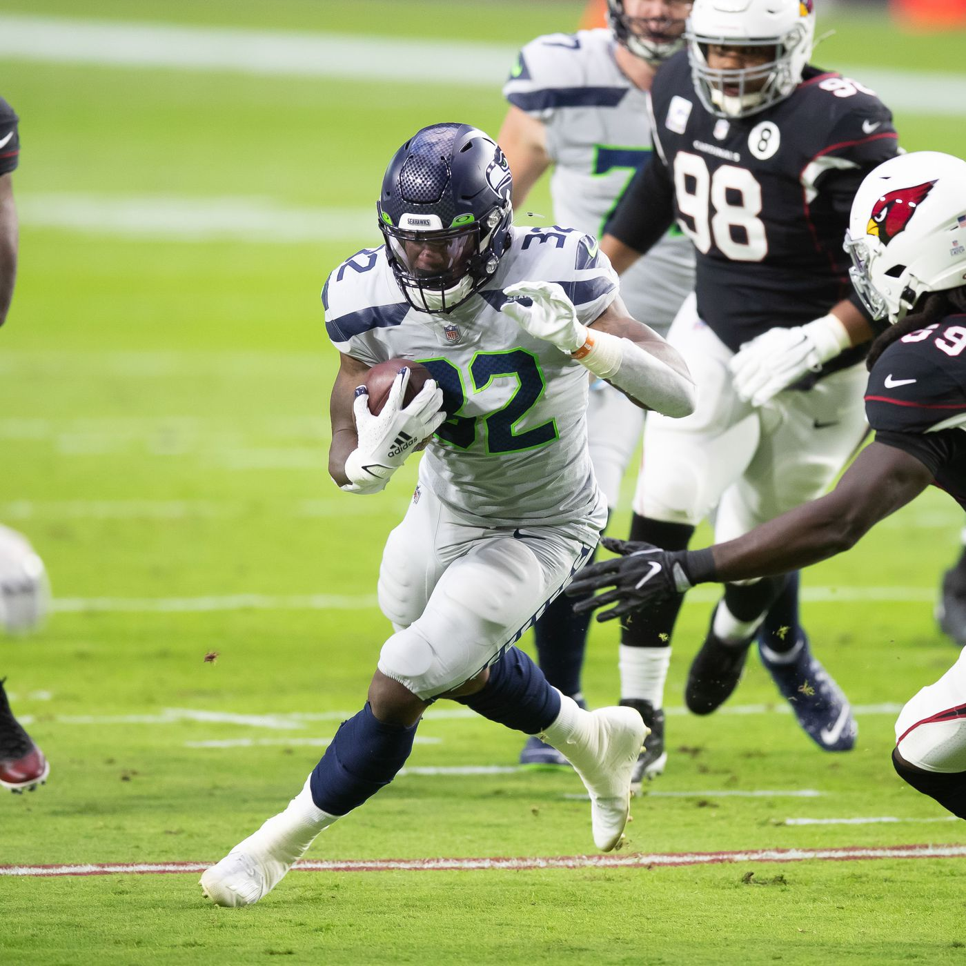 Chris Carson looking more likely to stay with the Seahawks? So far he  remains unsigned - Field Gulls