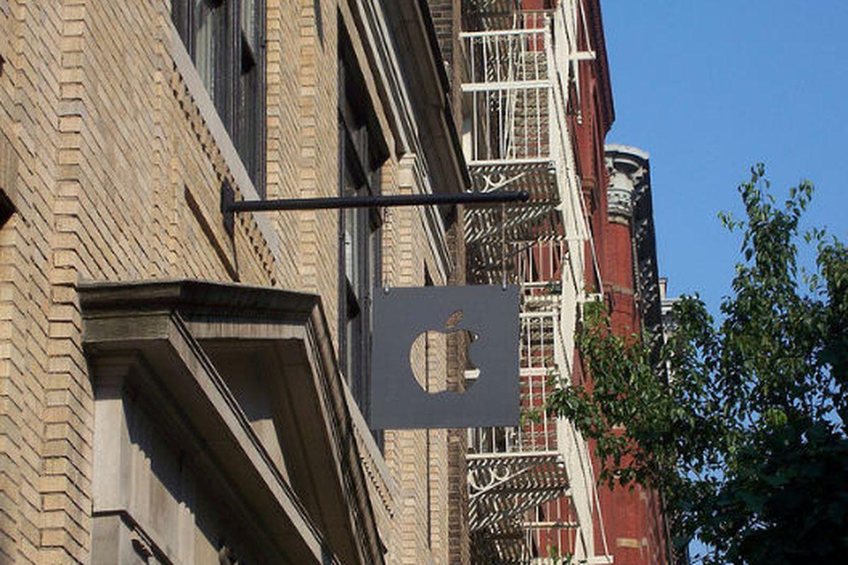 """Image via <a href=""""http://www.flickr.com/photos/helveticafanatic/2628252827/"""">HelveticaFanatic</a>/Flickr"""