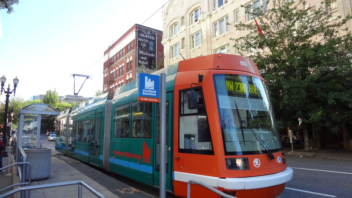 Everything you need to know about the streetcar craze - Vox
