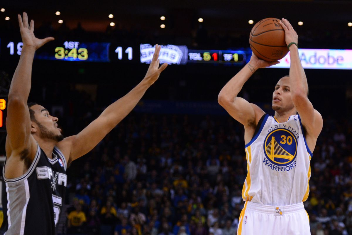 Steph Curry looks to become first Warrior to take home back-to-back POW honors since Baron Davis in 2005.