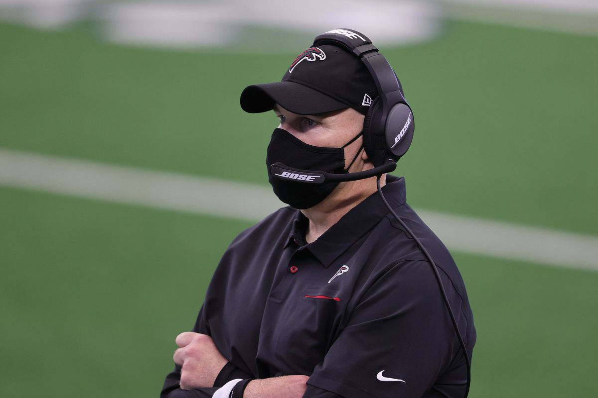 Falcons head coach Dan Quinn on the sidelines during the game against the Dallas Cowboys at AT&T Stadium.