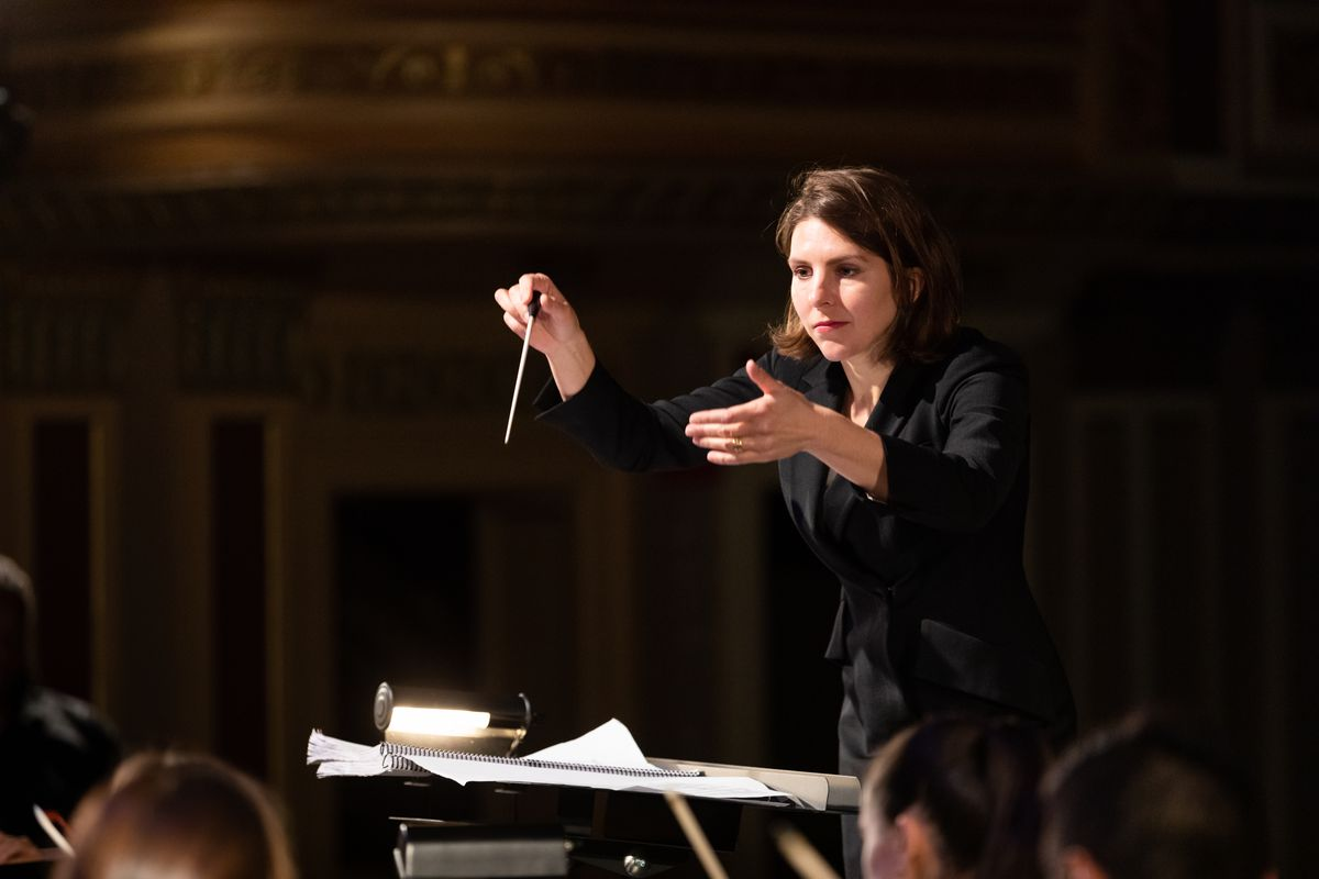 Chicago Opera Theater Music Director Lidiya Yankovskaya conducts the Freedom Ride orchestral workshop in collaboration with MassOpera in November 2019; photo by Maggie Hall
