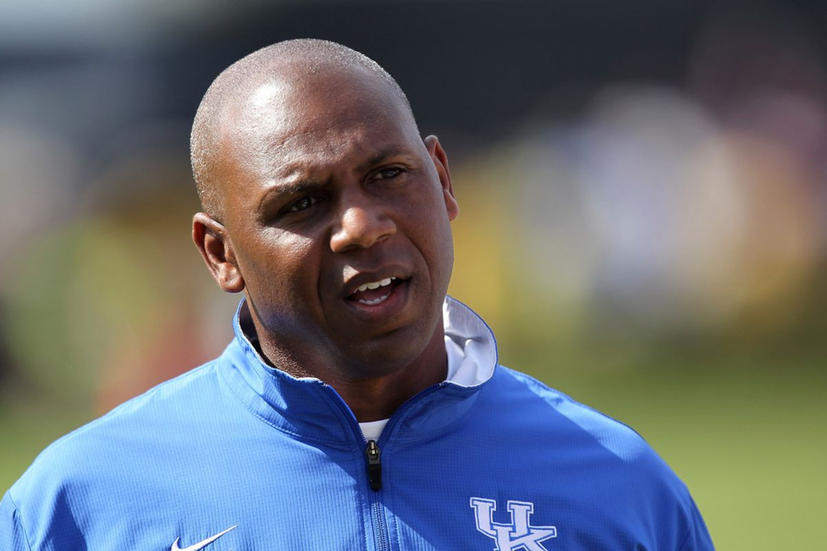 """Hmmm... What tricks will Joker have up his sleeve when the Bulldogs arrive in Lexington? Can the Wildcats get enough from their offense to win? Can the defense stifle the Bulldogs? Does he know how to do the """"John Wall?"""""""