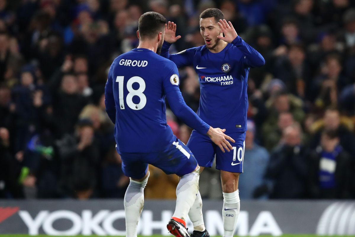 Relaxed Chelsea coach Conte appreciates crowd support as pressure eases