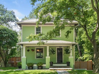 Minty 1929 American Foursquare home outside NYC asks $1.2M