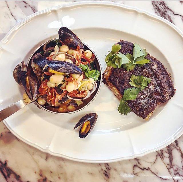 Bermondsey's best restaurants: Mussels at French restaurant Pique-Nique in Tanner Street Park, Bermondsey