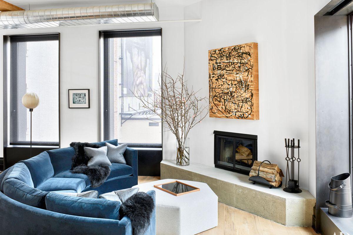 Peek Inside Liev Schreiber S Warm Renovated Manhattan