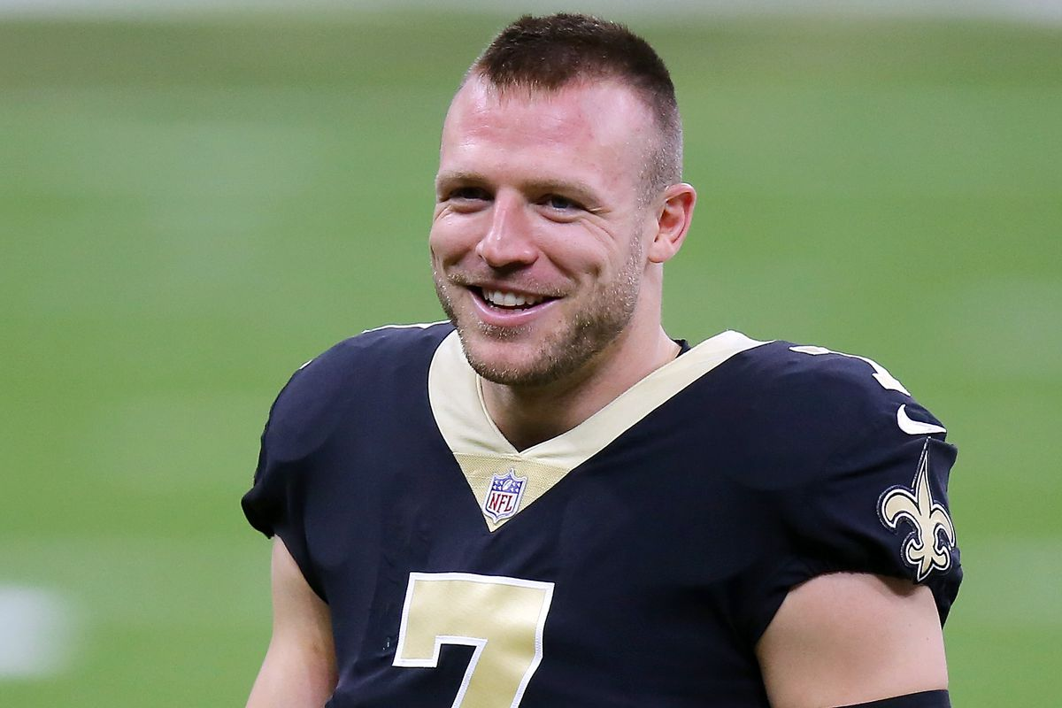 Taysom Hill #7 of the New Orleans Saints reacts against the Carolina Panthers during a game at the Mercedes-Benz Superdome on October 25, 2020 in New Orleans, Louisiana.