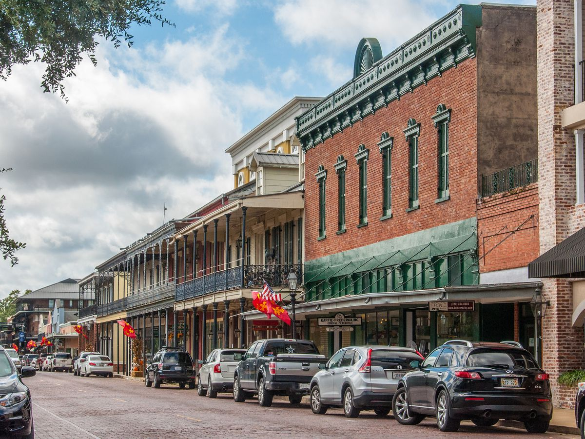 14 small towns near New Orleans you need to visit right now