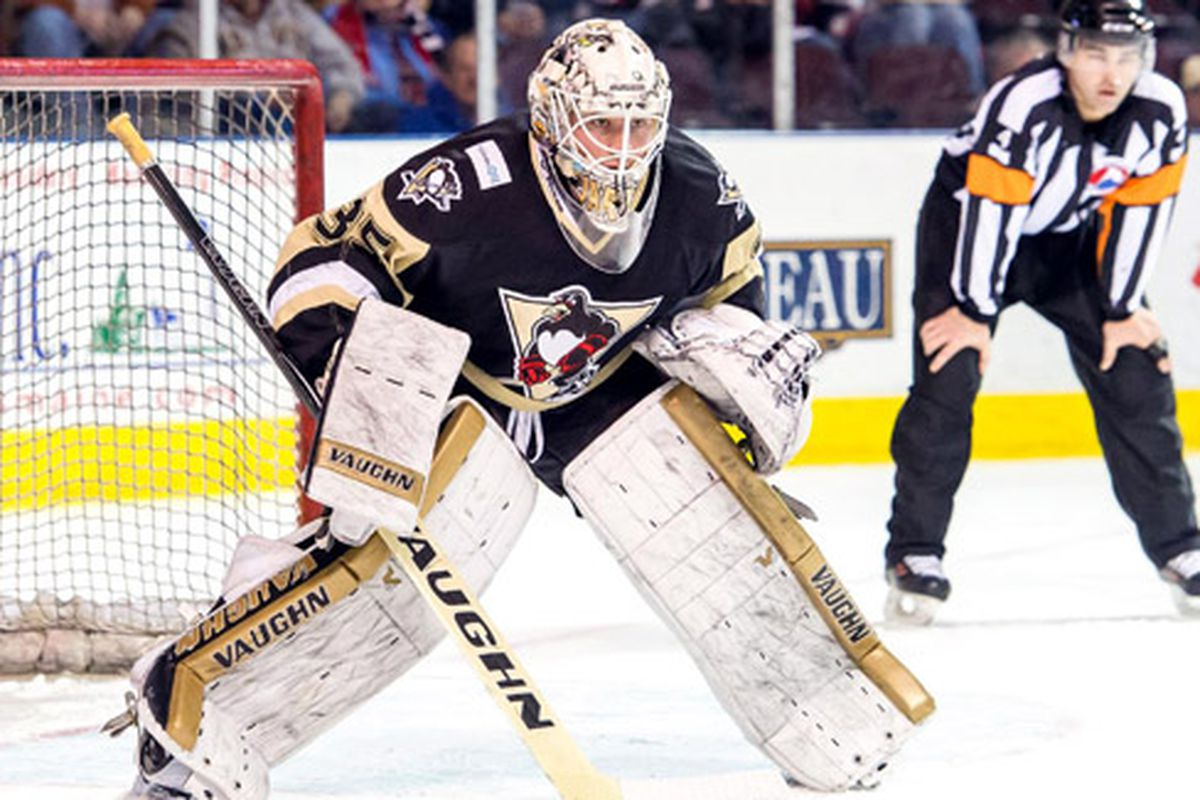Tristan Jarry faces the Providence Bruins