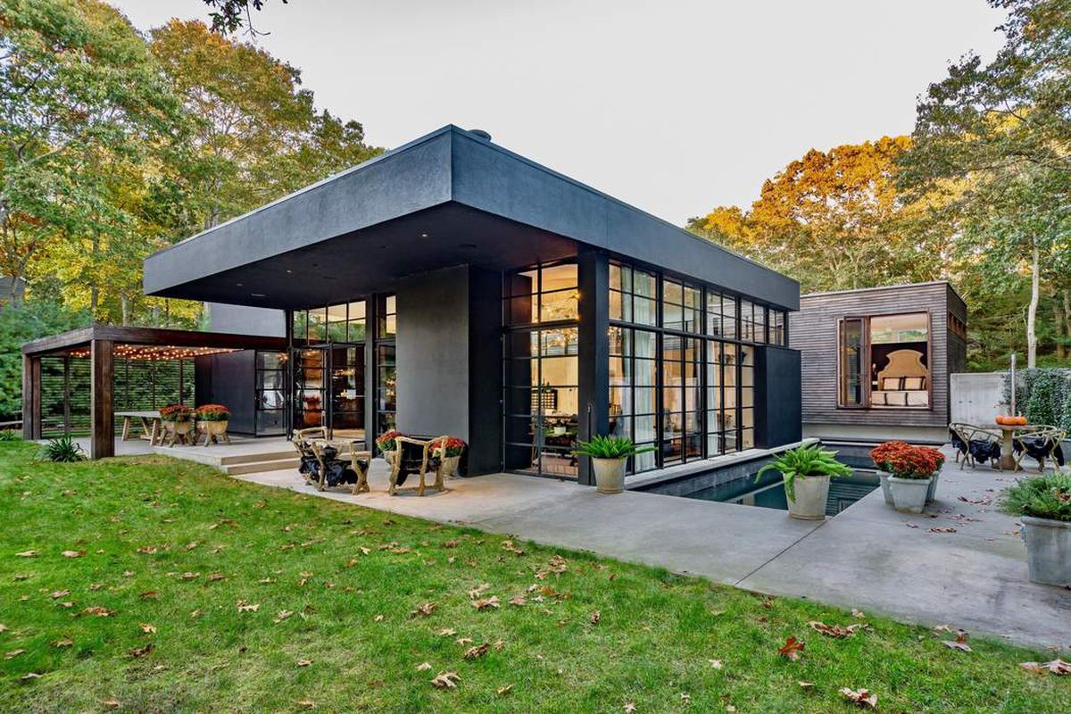 Sag Harbor contemporary with 3,000 square feet hits market ...