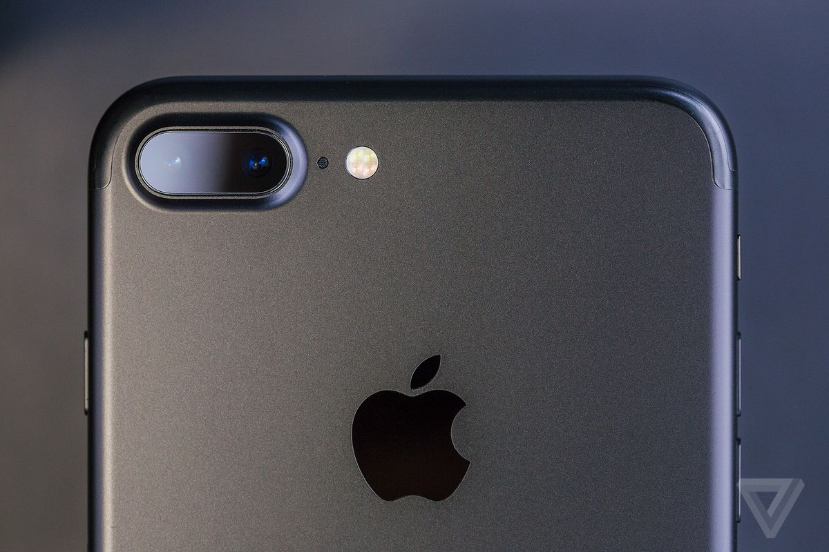 Apple put together a bunch of bite-sized iPhone camera lessons ...