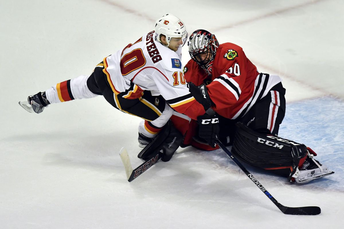 NHL: OCT 24 Flames at Blackhawks
