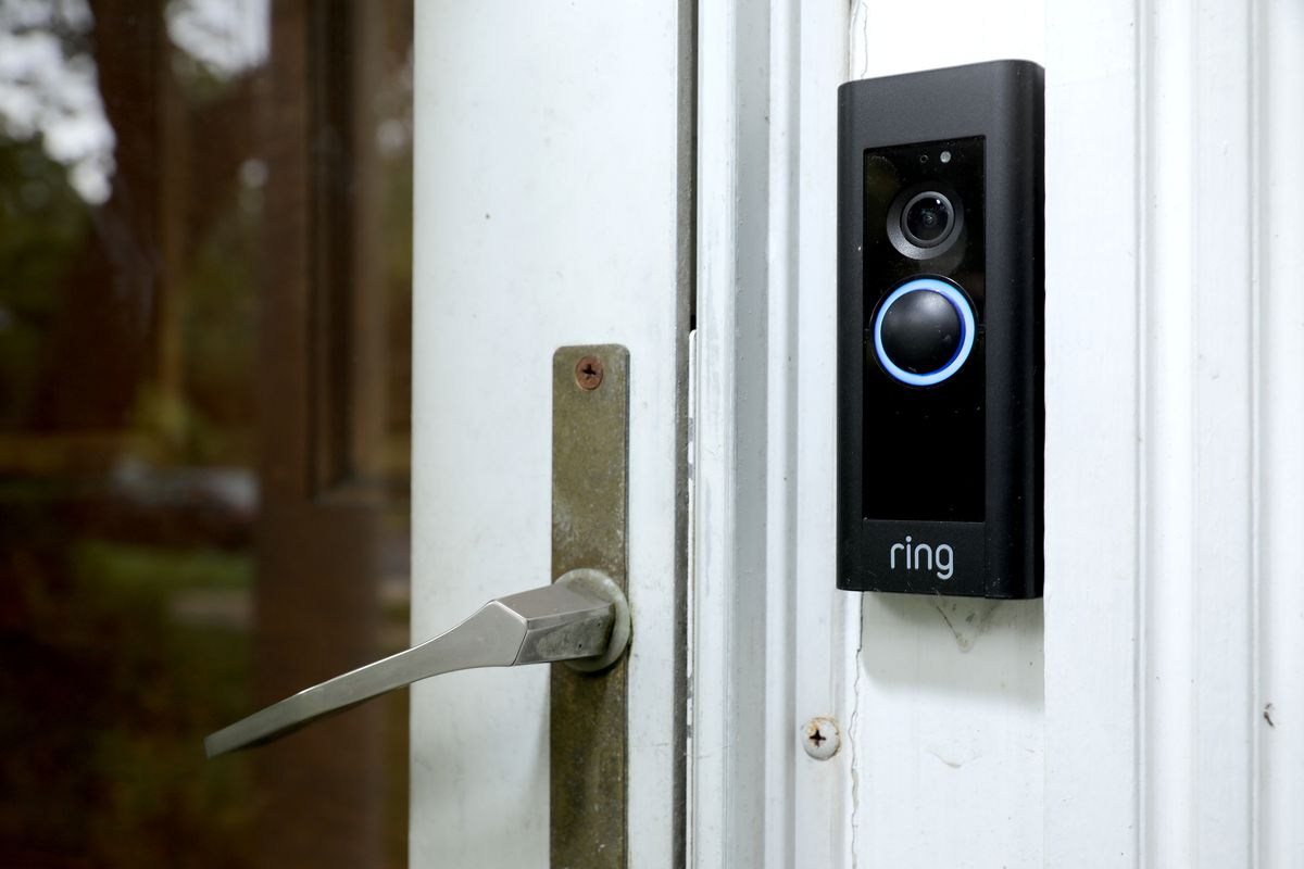 Amazon's Ring video surveillance doorbell, explained - Vox