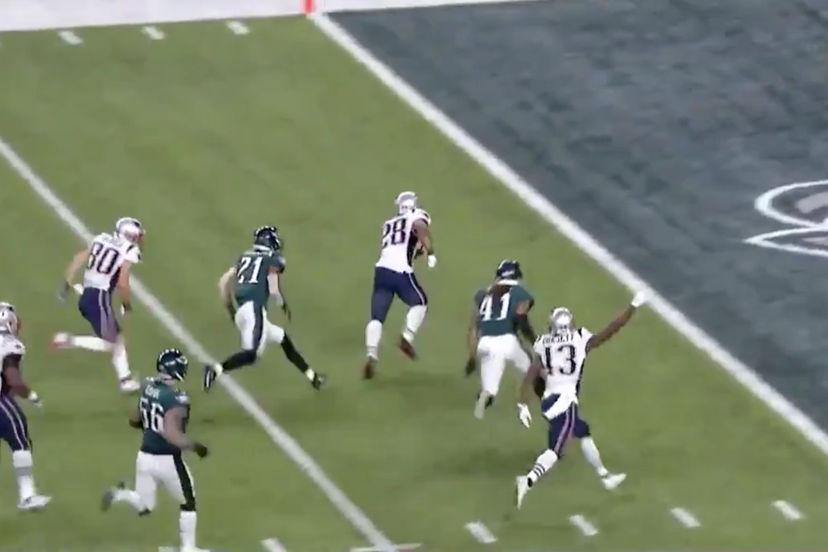 Super Bowl 52 Patriots vs Eagles  James White scores New England s first  touchdown of the day cb1a40e12