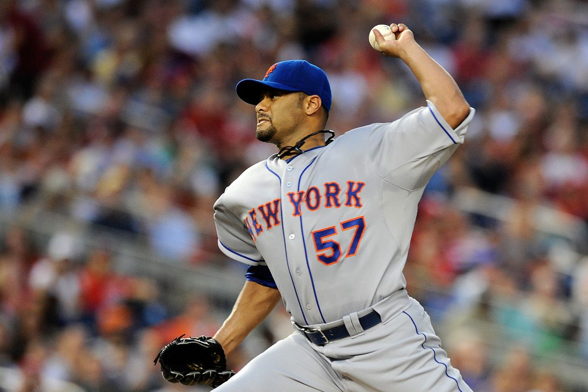 WASHINGTON, DC - AUGUST 17:  Johan Santana of the New York Mets throws a pitch against the Washington Nationals at Nationals Park on August 17, 2012 in Washington, DC. (Photo by Patrick McDermott/Getty Images)