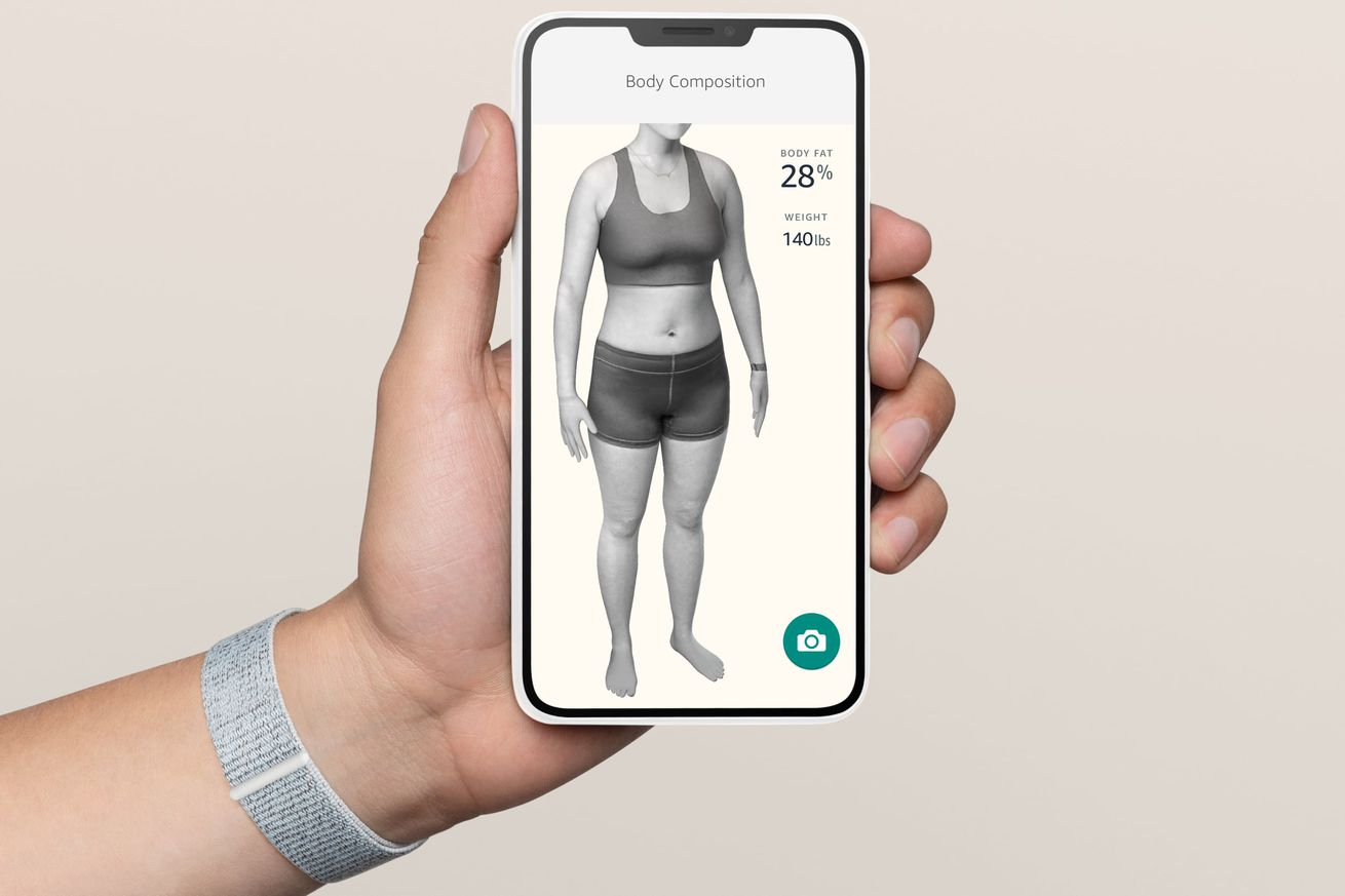 Halo's body scanning feature, which calculates body fat percentage.